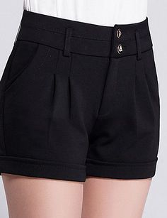 Resultado de imagen para short de vestir de mujer Hot Outfits, Outfits For Teens, Casual Outfits, Look Fashion, Korean Fashion, Pleated Shorts, Pants For Women, Clothes For Women, Chor