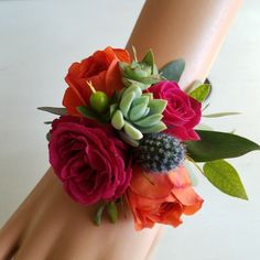Succulents and flowers make for a stunning wrist corsage. The Flower Studio Austin fall wedding corsage / fall wedding boutineers / fall wedding burgundy / wedding fall / wedding colors Prom Corsage And Boutonniere, Corsage Wedding, Wedding Bouquets, Boutonnieres, Prom Flowers, Fall Wedding Flowers, Floral Wedding, Exotic Wedding, Burgundy Wedding