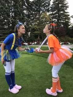 Nemo and Dory Halloween Costume Nemo und Dory Halloween Kostüm for 2 friends kids Nemo und Dory Halloween Kostüm - New Ideas 2 Person Halloween Costumes, Couples Halloween, Hallowen Costume, Cosplay Costume, Halloween Outfits, Family Halloween, 2 Person Costumes, Best Friend Costumes, Dori Costume