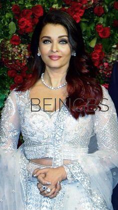 Actress Aishwarya Rai, Aishwarya Rai Bachchan, Bollywood Style, Bollywood Fashion, Beautiful Eyes, Most Beautiful Women, Aishwarya Rai Pictures, Model Face, Curvy Women Fashion