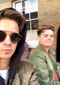Jack and Joe Jack And Conor Maynard, Buttercream Squad, Bts Youtube, Joe Sugg, My Dad, Youtubers, Dads, Mens Sunglasses, Celebs