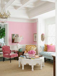 chevron home decor... i love this light bubble  gum pink wall