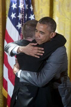 We need many more elected leaders with compassion instead of disdain for their fellow Americans. (President Obama gets a hug from Special Olympics athlete Tim Harris, from Albuquerque) Black Presidents, Greatest Presidents, American Presidents, Michelle Obama, First Black President, Mr President, Obama 2008, Afro, Presidente Obama