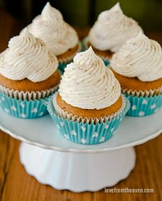 Pumpkin Cupcakes With Cinnamon Sugar Frosting - Love From The Oven