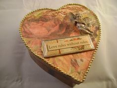 """Valentine's Day box """"Love Rules Without Rules"""""""