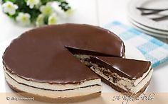 Torta fredda Kinder Pinguì senza forno Dessert Drinks, Fun Desserts, Delicious Desserts, Yummy Food, Sweet Recipes, Cake Recipes, Dessert Recipes, Love Eat, Love Food