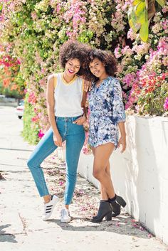 Two casual looks perfect for Spring f/ Style Me Grasie & Simply Bianca Alexa. Vintage style t-shirt with skinny jeans and Adidas Originals plus floral romper with chunky boots. OOTD. Street Style. Curly hair bloggers. Latina bloggers.