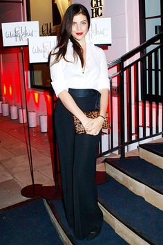 Julia Restoin Roitfeld attended the Carolina Herrera White Shirt Collection Party wearing, naturally, her own white shirt by the designer. Daily Fashion, Fashion News, Julia Restoin Roitfeld, Ch Carolina Herrera, Classic White Shirt, French Chic, Parisian Chic, White Shirts, Style Icons