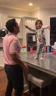 Dad Dancing, Little Girl Dancing, Salsa Dancing, Funny Babies Dancing, Dad And Daughter Dance, Father Daughter Photos, Daughters, Cute Funny Babies, Funny Kids