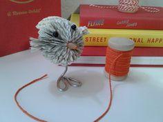 Livre Sculpture cadeau thème oiseau livre altéré Origami   Etsy Book Page Art, Book Pages, Origami, Gifts For Librarians, Bird Theme, Book Sculpture, Book Folding, Teacher Favorite Things, Small Birds