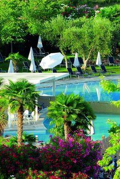 Hoteltipp für den Gardasee: Das  Color Hotel Style & Design in Bardolino. Italien. Direkt am See, Palmen, Pool - alles da, was man braucht.