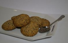 Celozrnné sušenky s chia semínky - skvělá snídaně i rychlá svačinka. Muffin, Yummy Food, Sweets, Cookies, Breakfast, Cake, Desserts, Recipes, Sweet Pastries