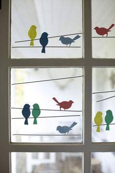 Fensterbild: Vögel auf der Leine                                                                                                                                                                                 Mehr
