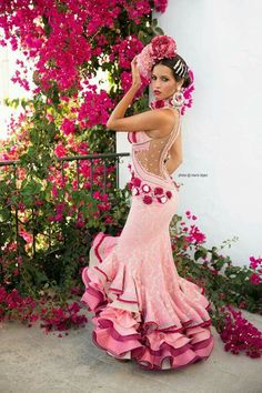 """See 1542 photos from 26230 visitors about spain, tapas, and beautiful city. """"A wonderful city in Andalusia famous for its Flamenco shows, tapas and. Joanna Gaines Blog, Flamenco Costume, Flamenco Dresses, Costume Ethnique, Spanish Fashion, Mode Chic, Everything Pink, Lady, Pretty In Pink"""