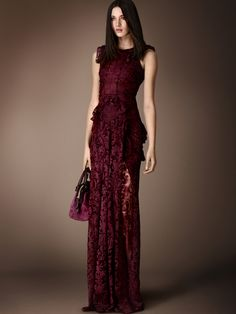 Elegant and regal Burberry Prorsum Pre-Fall 2014