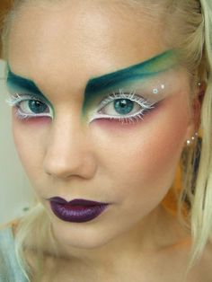 Lindas Sminkblogg- colorful, futuristic makeup