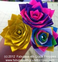 Classroom DIY: DIY Duct Tape Flower Pens Bellanca Bellanca McPheeters Maybe if we make these our students wont steal our pens and pencils! Cute Crafts, Crafts To Do, Crafts For Kids, Arts And Crafts, Duct Tape Pens, Duct Tape Flowers, Washi Tape, Flower Crafts, Diy Flowers