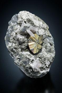 Cubanite - Henderson No. 2 mine, Chibougamau, Nord-du-Québec, Québec, Canada Size: 47 x 33 x 23 mm