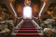 Want to organize your Wedding in France? Looking for a Wedding Planner in Paris? Wedding in France can offer you some great wedding packages in France to make it easy! Paris Wedding, Hotel Wedding, Luxury Wedding, Dream Wedding, Paris Destination, Destination Wedding Planner, Luxury Staircase, French Wedding Style, At The Hotel