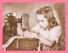 My grandmother let me use her Singer peddle sewing machine to make doll clothes when I was a little girl. Sewing Art, Sewing Rooms, Love Sewing, Hand Sewing, Sewing Crafts, Sewing Projects, Vintage Children Photos, Vintage Pictures, Vintage Images