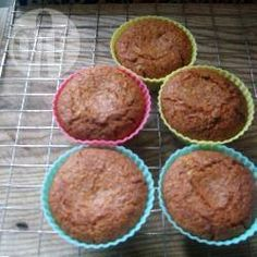 Dairy Free Pear Fairy Cakes gluten free flour (e. Dove's Farm brand) soft brown Sugar 4 tablespoons sunflower oil 2 tablespoons golden syrup 1 teaspoon gluten free baking powder teaspoon bicarbonate of soda 1 pear, peeled and grated Gluten Free Cakes, Gluten Free Baking, Gluten Free Desserts, Dairy Free Recipes, Camo Wedding Cakes, Dairy Free Breakfasts, Dragon Cakes, Fairy Cakes, Love Food