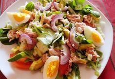 Kitűnő, gyorsan, egyszerűen összeállítható színes, értékes tápanyagokban gazdag vacsoraalternatívák a tonhalsalátavariációk. Nektek melyik tetszik legjobban? Fish Recipes, My Recipes, Salad Recipes, Healthy Recipes, Avocado, Clean Eating, Good Food, Yummy Food, Hungarian Recipes