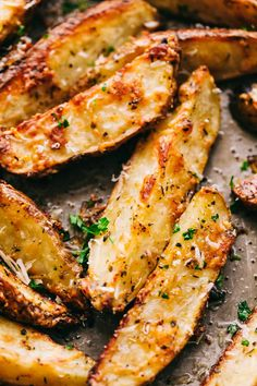 Baked Parmesan Garlic Potato Wedges are so incredibly easy and have the best parmesan garlic cheese flavor! These crispy wedges are roasted to perfection and guaranteed to be a huge hit! Potato Wedges Recipe, Potato Wedges Baked, Homemade Potato Wedges, Seasoned Potato Wedges, Parmesan Garlic Potato Wedges, Asparagus Fries, Baked Avocado Fries, Potato Side Dishes, Gourmet