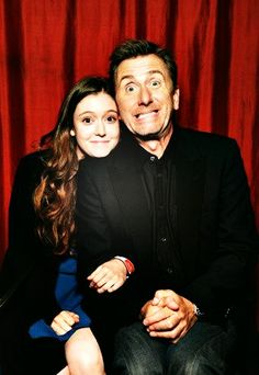Hayley McFarland & Tim Roth- Lie to Me. Love this show! Hunger Games, Dont Be Normal, Hayley Mcfarland, Tim Roth, Gary Oldman, Lie To Me, Tv Guide, Me Tv, My People