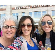 """We found a quick drive thru, made it through traffic, and actually found a place to park for only $1,550!!! #woflovedtour #iamunashamed"" Photo taken by @cassiebshelton on Instagram, pinned via the InstaPin iOS App! http://www.instapinapp.com (10/03/2015)"