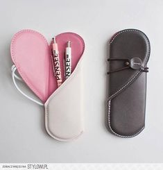 Heart Pen Case - This heart pen case is a romantic way to transport your writing utensils. When the case is closed it looks like a regular, secure pen holder that . Pochette Diy, Pen Case, Leather Projects, Pen Holders, Leather Design, Leather Accessories, Leather Working, Leather Craft, Leather Gifts