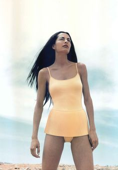 dosMares 2000 campaign by Sara Zorraquino. #dosMares #Swimwear #Bikini #BeachFashion #bathingsuit