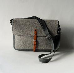 Sketchbook The Sightseeing Case Bag