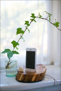 DIY: Tips for building your own iPhone dock from a piece of wood.  #diy #iphone #dock