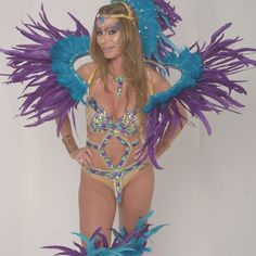 3 more weeks to grab your #caribana costume! Head to @tribalcarnival + @trudynastycarnival to get yours now!  #carnival2016 #caribana2016 #soca #carnival #bacchanal #socaordie #teamsoca #caribbean #jamaica #trini #grenada #vinci #partydone #wefete #torontocarnival #ondiroad #roadmarch #frontline #backline #cropover