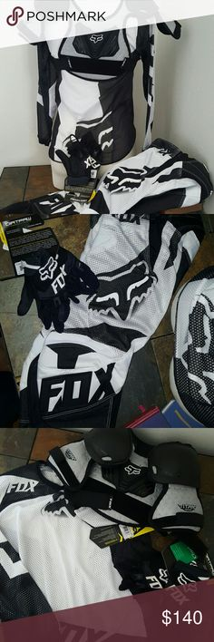 NWT 180 YTH FOX RACING GEAR   *4hr sale* *4 hr* sale  I am liwrting the price of these for four hours.   NWT Black and white Fox 180 YTH Airline Jersey. Was 27.95 NWT BLACK AND WHITE FOX 180 RACE AIRLINE PANTS. 89.95 NWT FOX PEEWEE TITAN ROOST DEFLECT BLACK AND SILVER 39.95 NWT YOUTH  6 FOX RIDING GLOVES.  21.95. Fox Other