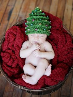 Ideas For Crochet Christmas Tree Hat Pattern Christmas Tree Hat, Crochet Christmas Hats, Christmas Crochet Patterns, Holiday Crochet, Christmas Baby, White Christmas, Christmas Mantles, Christmas Outfits, Victorian Christmas