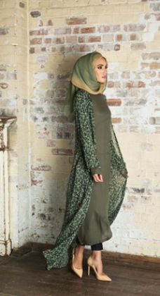 Modest way of wearing hijab with kimono – Girls Hijab Style & Hijab Fashion Ideas Modest Wear, Modest Outfits, Modest Dresses, Abaya Fashion, Modest Fashion, Fashion Outfits, Fashion 2016, Fashion Ideas, Muslim Women Fashion