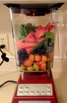 Blendtec Smoothie: 30 grapes 1 nectarin, pit removed! 1 small carrot cut up into 12 inch pieces 1/4 cup frozen blueberries 1/3 cup of watermelon chunks a large handful of spinach half cup of ice