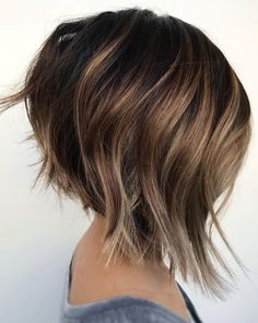 66 Chic Short Bob Hairstyles & Haircuts for Women in 2019 - Hairstyles Trends Angled Bob Hairstyles, Haircuts For Fine Hair, Hairstyles Haircuts, Long Bob Haircuts, Curly Hair Styles, Medium Hair Styles, Short Hair Cuts, Hair Trends, Hair Inspiration