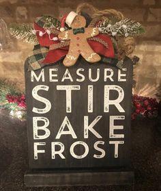 Holiday Signs, Christmas Signs, Country Christmas, Christmas Art, Christmas Ideas, Chalk Crafts, Wood Crafts, Diy Crafts, Diy Signs