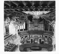 Vista general de l'escenari del Palau de la Música de Barcelona :: Fons fotogràfic Salvany (Biblioteca de Catalunya)