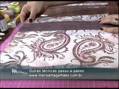 Mulher.com 25/01/2013 Marisa Magalhães - Forração de caixas com papel scrap  1/2