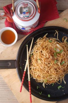 Dim Sum Soy Sauce Chow Mein Noodles [Vegan] - One Green PlanetOne Green Planet Clean Recipes, Whole Food Recipes, Cooking Recipes, Vegetarian Recipes, Healthy Recipes, Vegan Vegetarian, Vegan Food, Vegan Egg, Vegan Pasta