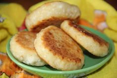 Сырники с манкой http://citywomancafe.com/cooking/28/10/2015/syrniki-s-mankoy
