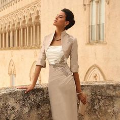 Linea Raffaelli is one of our favourite designers for the fashion conscious Mother of the Bride or Mother of the Groom. This dress especially is a wonderful choice for those Mothers who want to celebrate their daughter or son in an elegant fashion. Style No. 40 is a 2-piece silk cocktail dress and...