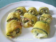 rolls of crispy zucchini Wine Recipes, Cooking Recipes, Vegetarian Recipes, Healthy Recipes, Salty Foods, Fodmap, Food Design, I Foods, Italian Recipes