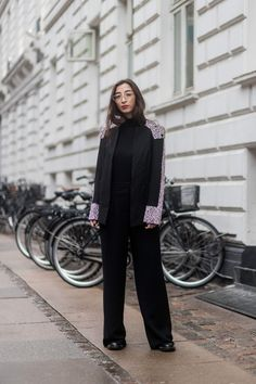 Winter Outfit Formulas For Girls Who Like to Wear Black