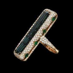 I am LOVING this ring by @inbarjewellery ❤️ So unique and fabulous!! Via @voguerussia