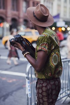 Alt Beauty: New York Fashion Week African Street Style, Best Street Style, Cool Street Fashion, African Style, African Inspired Fashion, African Men Fashion, Mens Fashion, Fashion Outfits, African Women