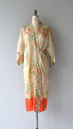 60c9e3aeb63 Antique and iconic 1920s raw silk pongee robe with beautiful screen printed  floral motif and bright